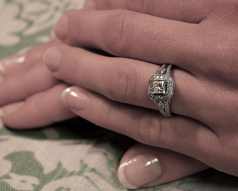 voici la bague de fiançailles bague diamant bague de fiancaille kris ...
