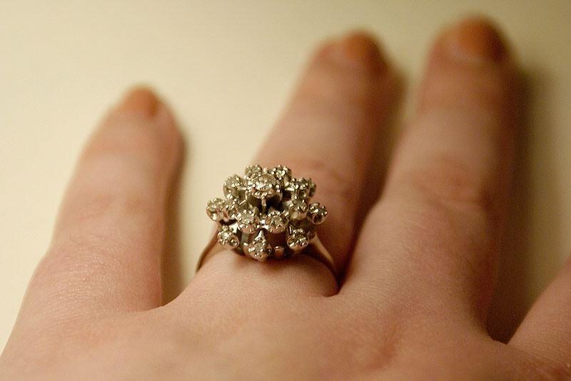 bague fiancaille vintage diamant bijoux la mode. Black Bedroom Furniture Sets. Home Design Ideas