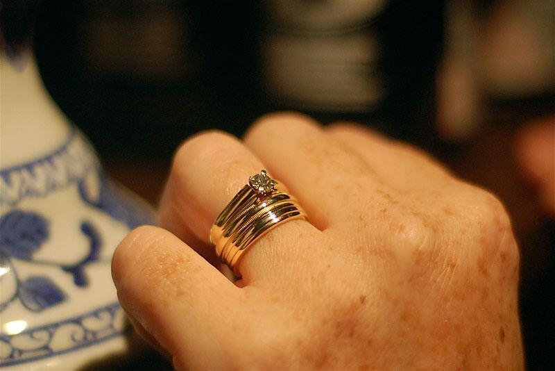 Ma femme n'a jamais eu de bague de fiançailles diamant lorsque nous ...