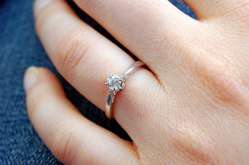 jolie bague de fiançailles n est ce pas solitaire diamant bague de ...